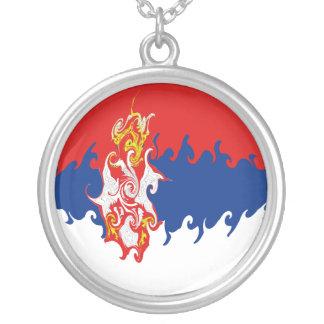 Gnarly Flagge Serbiens Amulett