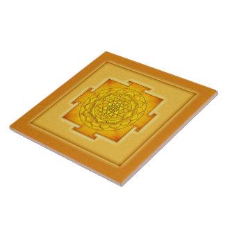 Golden Sri Yantra III Große Quadratische Fliese