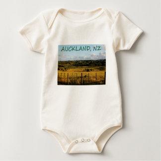 Goldene Landschaftsszene Baby Strampler