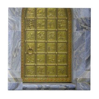 Goldene Tür Keramikfliese