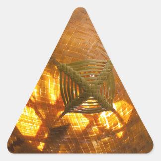 Goldene Webart Dreieckiger Aufkleber