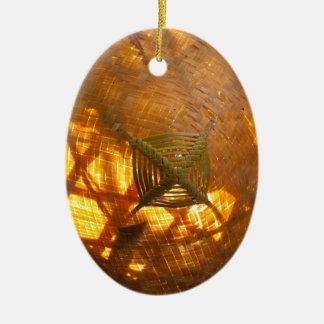 Goldene Webart Keramik Ornament