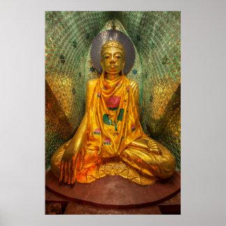 Goldener Buddha im Tempel Poster