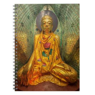 Goldener Buddha im Tempel Spiral Notizblock