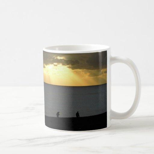 Goldener Sonnenuntergang Kaffee Tassen