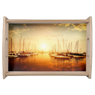 Goldenes Jachthafen-Sonnenuntergang-Serviertablett Serviertablett