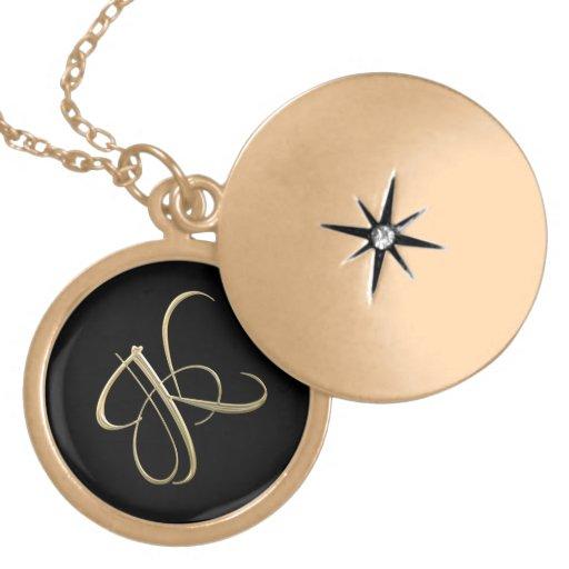 Goldenes Monogramm der Initiale K Medaillon