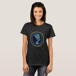 Goldenes Nefertiti auf blauem Marmorstein T-Shirt