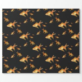 Goldfisch auf Schwarzem Geschenkpapier