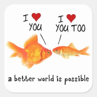 Goldfish im Herzen der Liebe I Sie Quadratischer Aufkleber