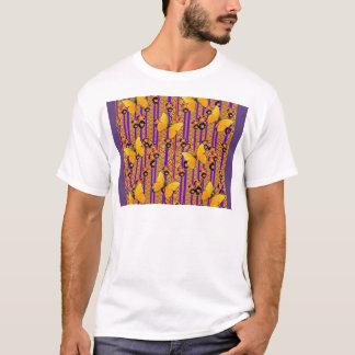 GOLDflatternde SCHMETTERLINGS-LILA KUNST-FARBE T-Shirt