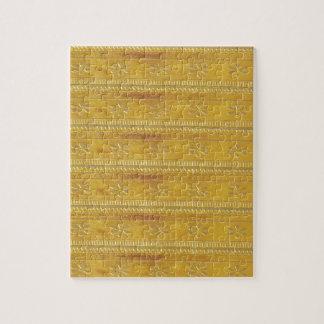 Goldgoldene Schablone addieren TEXT Puzzle