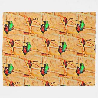 Goldgrüner Kolibri, Ziegelsteinhintergrund Fleecedecke