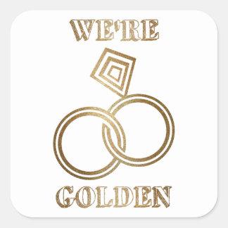 GoldHochzeitstag-romantische Goldringe Quadratischer Aufkleber