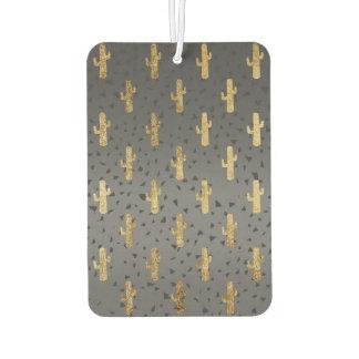 Goldkaktus auf moderner schicker lufterfrischer