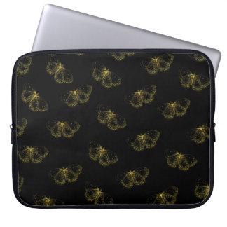 Goldmetallische Schmetterlinge auf Schwarzem Laptopschutzhülle
