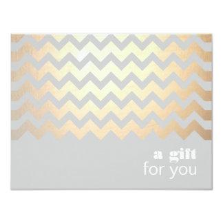 Goldzickzack-Muster und grauer Geschenkgutschein 10,8 X 14 Cm Einladungskarte