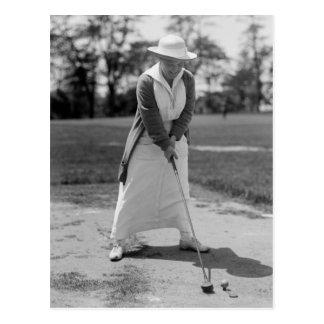 Golf spielende Frau, Vintage 1910s Postkarte