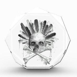 Gotischer Schädel der Stammes- Art - Kreuz Acryl Auszeichnung