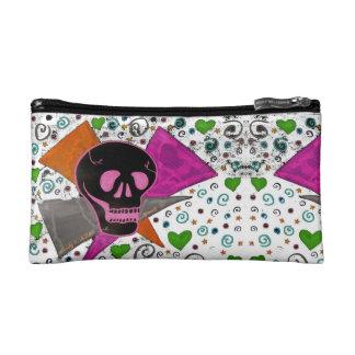 Gotischer Schädel - schwarz und rosa auf Weiß Makeup-Tasche
