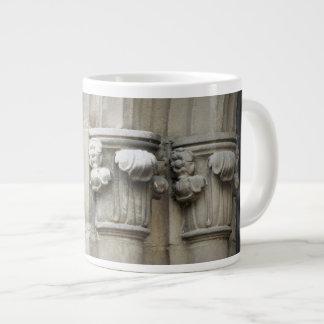 Gotischer Torbogen-Entwurf 1 Jumbo-Tasse
