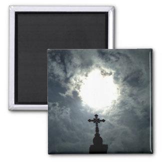 Gotisches Friedhofskreuz mit Sonnebruchmagneten Quadratischer Magnet