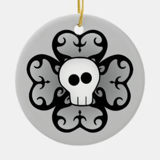 Gotisches Kleeblatt und Schädel Keramik Ornament
