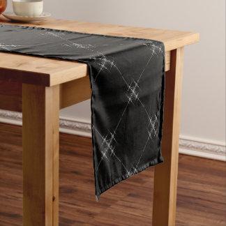 Gotisches metallisches Muster Kurzer Tischläufer