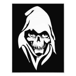 Gotisches weißes Sensenmanngesicht auf schwarzem H Kunst Foto