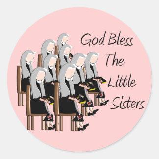 Gott segnen die kleinen Schwestern Runder Aufkleber