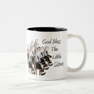 Gott segnen die kleinen Schwestern Zweifarbige Tasse