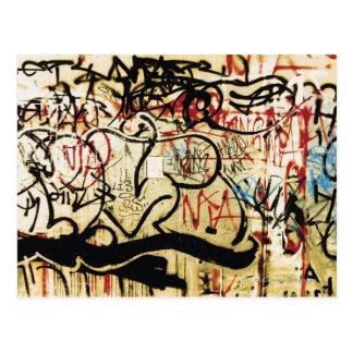 Graffiti auf einer Wand Postkarte
