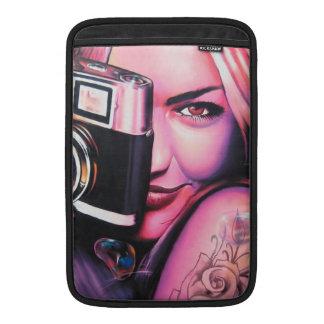 Graffiti-Mädchen-Fotograf MacBook Air Sleeve