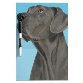 Graue schöne Deutsche Dogge auf Blau Whiteboard