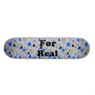 Graue schwarze und blaue Blasen Skateboardbrett