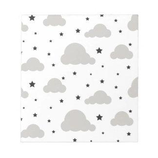 Graue Wolken und Schwarzsterne Notizblock