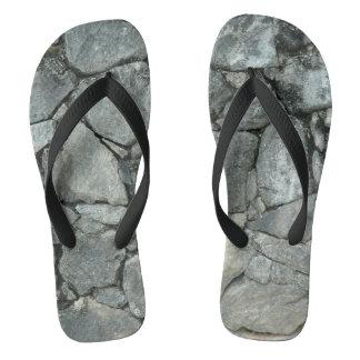 GRAUER STEINstapel Flip Flops