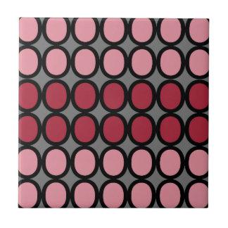 Graues und rosiges Spritzen von O Keramikfliese