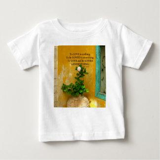 greekproverbInspirational Liebezitat Baby T-shirt