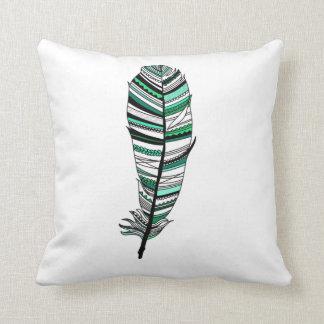 Green Aztec Feather Kissen