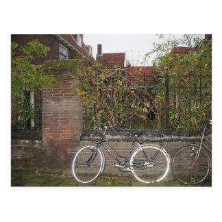 Grelles Fahrrad, von der hässlichen Postkarte