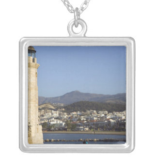 GRIECHENLAND, KRETA, Rethymno Provinz, Rethymno: Versilberte Kette