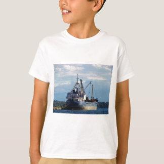 Griechisches Frachtschiff in den Inseln T-Shirt