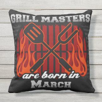 Grill-Meister sind im März geboren Kissen