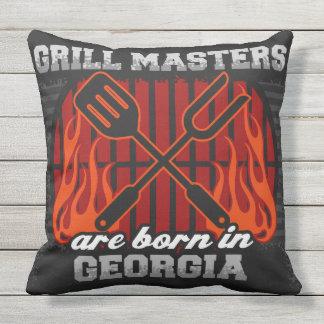 Grill-Meister sind in Georgia geboren Kissen Für Draußen