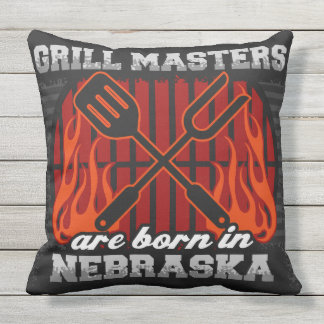 Grill-Meister sind in Nebraska geboren Kissen Für Draußen