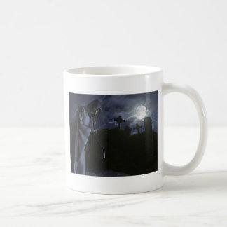 Grimmiger Sensenmann im Büro Kaffeetasse