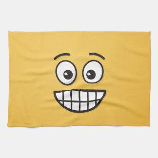Grinsendes Gesicht mit offenen Augen Handtuch