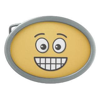 Grinsendes Gesicht mit offenen Augen Ovale Gürtelschnalle