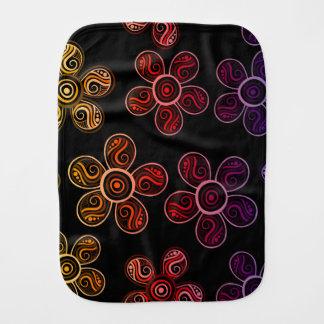 Groovy Regenbogen-Blumen-Entwurf Baby Spucktuch